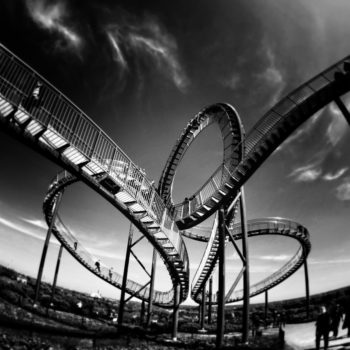 themepark-days-with-logbook-loans-money